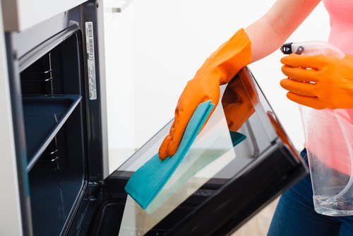 8 Tips On Deep Cleaning Your Kitchen
